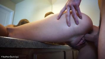 Follando chica de enorme coño