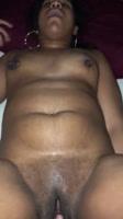 Gordita boricua masturbandose sola en casa