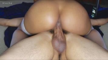 Negra de culo hermoso montando mi verga